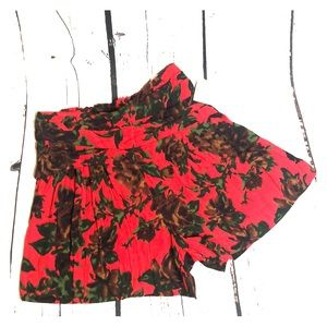 Zara Basic Red Rose Floral Shorts Size Small